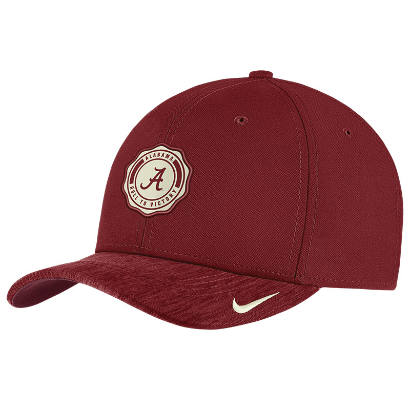 Nike Classic Stretch Fit Sideline Cap
